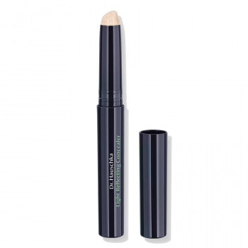 Dr. Hauschka Light Reflecting Concealer for dark shadows and rings